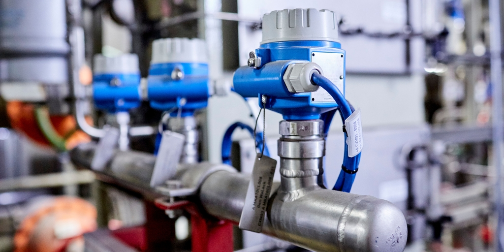 Liquiphant used for leakage detection and to protect the hydrogen-cooled generator.
